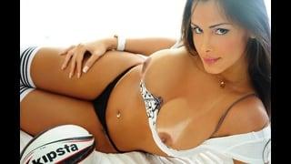 Monik Lorran Molto Sexy Con Le Tette Nude