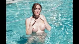 Christina Skyye A Tette Nude In Piscina