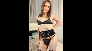 Transex Jade Downing Posa In Intimo Nero Molto Sexy