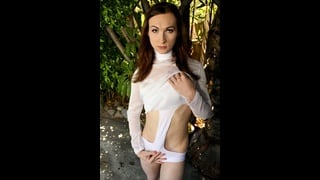 Trans Brunette Jessica Fappit In Posa Sexy