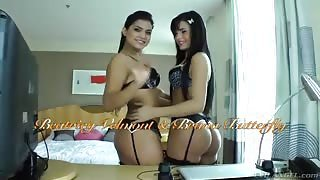 Bruna Butterfly e Beatricy Velmont giocano con sex toys