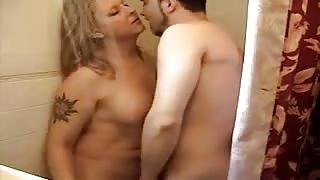 Porno amatoriale trans.sesso sotto la doccia!