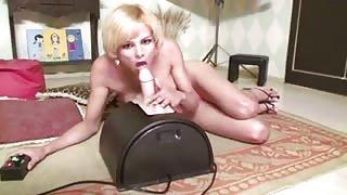 Gabrielly Dumont gode con la sua fucking machine