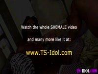 Vai al momento 05:25 del video.