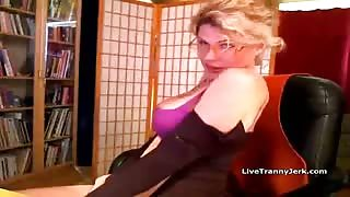 Solo in webcam con trans Delia DeLions