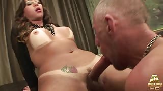 Video porno trans italiano con la Ts Gloria Voguel
