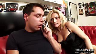 Porno italiano!Max e la moglie con trans