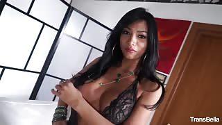Porno italiano con Vittoria e Pierre dj