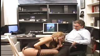 Scopata sul set pornografico