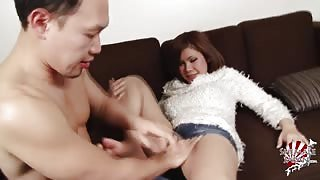 Tgirl giapponese e l'amico voglioso