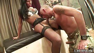 Shemale Lynda in porno italiano