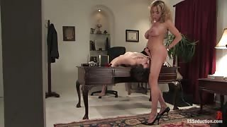 Milf anal fucks young in the office