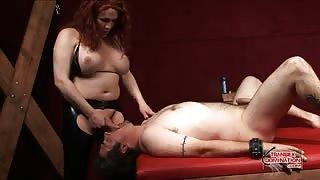 Mistress tranny in azione