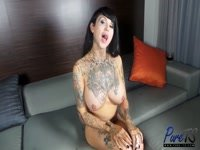 59b389f3ae5a2-britney-boykins-gets-naked-and-caresses_4