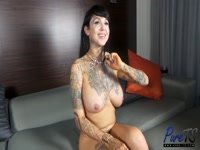 59b389f3ae5a2-britney-boykins-gets-naked-and-caresses_5