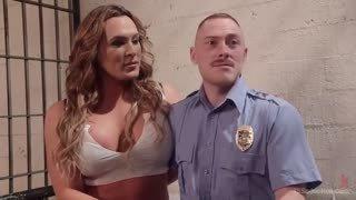 Sesso in prigione con Lana Knight