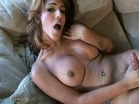 5b1f6d605a429-masturbazione-solitaria-di-una-trans-latina-sexy_12