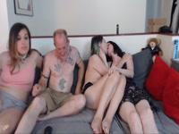 5b6d840935564-group-sex-webcam_4