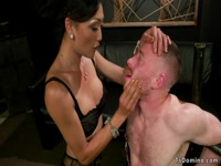 5bac90d03e065-hairy-ass-delivery-guy-anal-fucked-by-tranny_4
