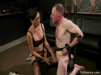 5bac90d03e065-hairy-ass-delivery-guy-anal-fucked-by-tranny_6