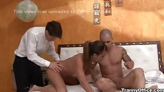 Threesome xxx in hotel TS Kamilla Smith