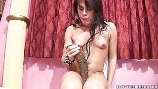 I giocattoli della trans maiala Ana Livia De Caprio